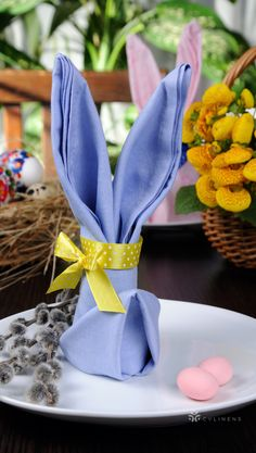 "Satin Napkin 20 ""x - Cornflower / Serenity Simple DIY Easter Bunny Napkin Fold Diy Osterschmuck, Easy Diy, Simple Diy, Diy Crafts, Bunny Napkin Fold, Napkin Folding, Easter Table Decorations, Easter Centerpiece, Centerpiece Ideas"