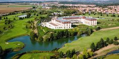 On the grounds of Golf Disneyland®, the Radisson Blu is an ideal spot for vacationers and corporate guests alike. The golf course boasts three nine-hole courses, an instruction area and a clubhouse with pro shop.