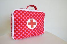 doktorský kufřík růžové puntíky