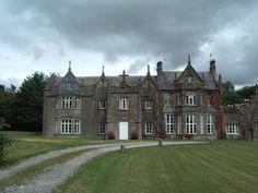 Lisnagar House, Co. Ireland Country, Love Ireland, Ireland Pictures, English Architecture, English Tudor, County Cork, Great Britain, Castles, Irish