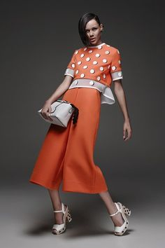 See the complete Fendi Resort 2015 collection.