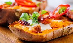 Bakt søtpotet med bacon og smeltet ost   EXTRA Main Meals, Bruschetta, Frisk, Baked Potato, Healthy Lifestyle, Bacon, Bbq, Food And Drink, Dinner Recipes