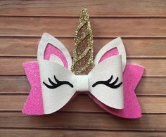 One stop shop for handmade items with faux leather!Excited to share the latest addition to my shop: Unicorn Bow!I'm offering a discount! Making Hair Bows, Diy Hair Bows, Diy Bow, Bow Hair Clips, Ribbon Hair, Unicorn Headband, Unicorn Hair, Hair Bow Tutorial, Flower Tutorial
