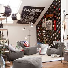 5 Outstanding Simple Ideas: Attic Design Railings attic diy home.Attic Roof Wood Ceilings finished attic before and after. Teen Lounge Rooms, Teen Game Rooms, Teen Hangout Room, Attic Rooms, Attic Spaces, Attic Playroom, Attic Bathroom, Attic Library, Attic Office