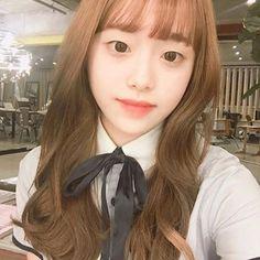 @kimmiecla South Korean Girls, Korean Girl Groups, Teaser, Chuu Loona, Gfriend Sowon, Eye Circles, Singing In The Rain, Olivia Hye, Ulzzang Girl