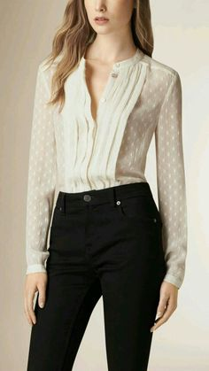 Stylish Job Work Outfit Ideas to Look Attractive Classy Outfits, Pretty Outfits, Casual Outfits, Fashion Outfits, Fashion Beauty, Luxury Fashion, Blouse Outfit, Office Outfits, Work Attire