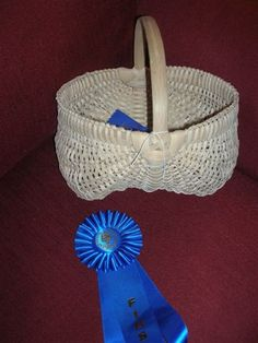 Bradley County Foothill Fair -- first place in hand crafts. White Oak Egg Basket made by Bill Bartle (his first egg basket). Egg Basket, Baskets, Hand Crafts, White Oak, Basket Weaving, Sculptures, My Favorite Things, Craft, Art Crafts