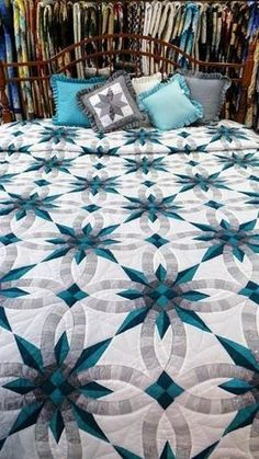 Quilting Ideas Star Wedding Ring - Teal and Gray Star Wedding Ring Quilt. Size: King, x The border is scalloped. This quilt is sewn and quilted in Lancaster County, PA. Colchas Quilting, Quilting Projects, Quilting Designs, Quilting Ideas, Quilt Design, Star Quilt Patterns, Star Quilts, Star Quilt Blocks, Amish Quilts