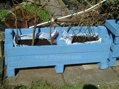 Pallet Planter Box Tutorial
