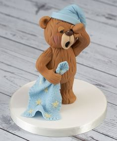 Meet Jake, one of our new Renshaw Ready to Roll Icing bears. Jake has been decorated to give a smooth fur effect to the icing.