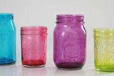 I'm thinking of making these colorful mason jars to hold fresh flowers. :) #DIY    Courtesy of 'Mom Spark'!