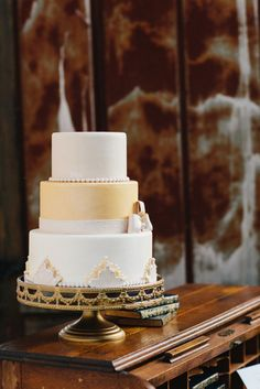 Art Deco Wedding Cake | Love Song Serenade – Southern Sweetness Wedding Inspiration with 1920′s Style
