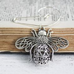 Queen Bee Swirl Pin Brooch