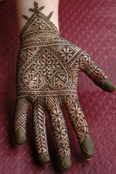 Amazing Eid Mehndi Designs & Henna Patterns For Hands & Feet 2014 Palm Mehndi Design, Finger Henna Designs, Bridal Henna Designs, Beautiful Mehndi Design, Mehndi Patterns, Henna Tattoo Designs, Henna Tattoos, Mehandi Designs, Tattoo