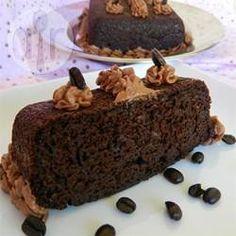 Bolo de chocolate light @ allrecipes.com.br - Um bolo molhadinho e delicioso, com menos gordura que os bolos comuns.