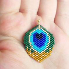 #miyukibeads #miyuki #kolye #kolyeucu #takı #tasarım #elemeği #handmade #peacock #feather #peacockfeather #miyukibileklik #miyukikolye #miyukiaddict #moda #fashion #necklace #jewelry #jewellery #pendant #tarz #tavuskuşu #kadıngiyim #bayangiyim #hediyelik #colorful #sweet #instagood #tagsforlikes