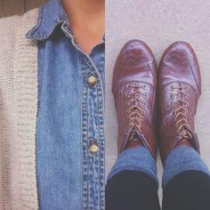 Chambray button up, tan cardigan, black skinnies, grey socks, brown boots