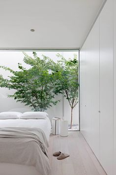 The Bourne Road Residence Frames the Outdoor Spaces – Design Milk – House Design Ideas Bedroom Minimalist, Minimalist Home Decor, Minimalist Interior, Modern Minimalist House, Minimal Bedroom, Minimalist Architecture, Minimalist Lifestyle, Interior Design Awards, Home Interior Design