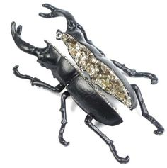 Black Beetle Brooch (pair) Copper electroformed beetle, cubic zirconias, lacquer, silver 10 X 6 X cm Horse Jewelry, Insect Jewelry, Bird Jewelry, Animal Jewelry, Metal Jewelry, Jewelry Art, Insect Art, Handmade Jewelry Designs, Contemporary Jewellery