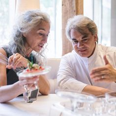 #tbt to our summer in #NewYork and our visit to the very best ~ @gabrielkreuther & the team ~ check the link in bio to get SinStella #luxury glassware via Indiegogo. In photo: designer Vera Purtscher and chef Gabriel Kreuther. Photo by Faruk Pinjo.