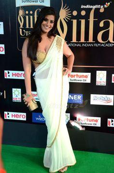 Bollywood Actress Hot Photos, Indian Actress Photos, Indian Bollywood Actress, South Indian Actress, Indian Actresses, Beautiful Girl Indian, Most Beautiful Indian Actress, Saree Wearing Styles, Saree Models