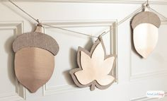 Don't know what to put on your mantel this fall? Why not try one of these DIY fall garlands we've hand selected from across the web? From leaves to pumpkins, to pie, to burlap, to acorns, there are plenty of festive fall motifs you canRead Magnolia Leaf Garland, Fall Leaf Garland, Burlap Garland, Green Garland, Toga Party, Vines, Maple Leaf, Safari, Cork Christmas Trees
