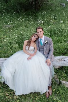grey and mint for him and puffy tulle for her