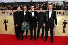 Iain Glen Aidan Gillen Photos - (L-R) Actors Conleth Hill, Iain Glen, Isaac Hempstead Wright, Aidan Gillen and James Faulkner attend the 24th Annual Screen Actors Guild Awards at The Shrine Auditorium on January 21, 2018 in Los Angeles, California. 27522_017 - 24th Annual Screen Actors Guild Awards - Arrivals