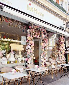 Die bekanntesten Cafés in London - Dainty Dress Diaries - Travel - Cake Shop Design, Coffee Shop Design, Bakery Design, Cafe Design, Design Design, Bakery Decor, Pub Decor, Design Ideas, Graphic Design
