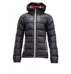 **SALE** When temperatures are below freezing, everyone wants the warm and wait for spring. Put on the Lightyear jacket by J Lindenberg and you will not want to wait to go outside! Warm and ultra lightweight, with the adjustable hood and comfortable material - this jacket is your protection against the cold. J. Lindenberg collection combines high-tech material with a waisted fit and a trendy look. Ski wear will never be the same. Ski Fashion, Mens Fashion, Ski Wear, Go Outside, Put On, Fashion Forward, Skiing, Fabrics, Moda Masculina