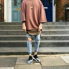 Best and Unique Mens Streetwear Ideas. For quite a while, streetwear and luxury proved mutually exclusive. Streetwear has revolutionized the area of fashion, and it has come to be a lifestyle. Trill Fashion, Streetwear Fashion, Street Outfit, Street Wear, Urban Fashion, Mens Fashion, High Fashion Men, Style Masculin, Herren Style
