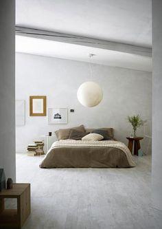 Si il est une association couleur qui fonctionne à merveille pour créer une ambiance reposante pour la déco d'une chambre zen c'est bien celle du gris et du taupe