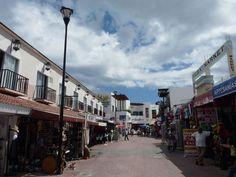 Why Playa del Carmen us better than cancun  (beginning of 5th Avenue in Playa del Carmen)