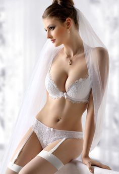 Gracya Lingerie – Bridal Styles in White and Cream Tones