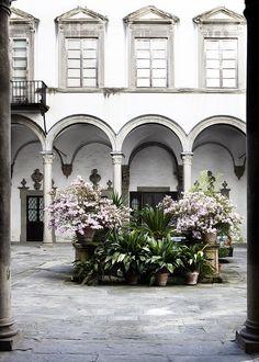 courtyard | Florence