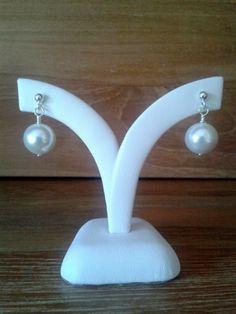 adorngems - White Shell Earrings, £9.60 (http://www.adorngems.com/white-shell-earrings/)