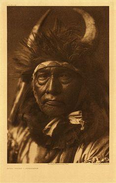 Bull Chief - Apsaroke,1908. Edward Sheriff Curtis Photography.