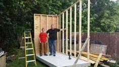 Jongen (12) bouwt eigen huisje in de achtertuin van ouders