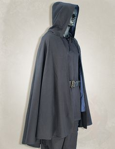 larp clothing, medieval clothing, larp black delux medieval cape. Item can be found at http://www.larpcanada.com