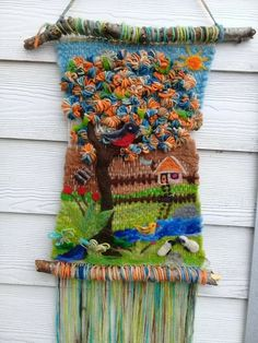 Lala Guardar . Yarn Crafts, Diy And Crafts, Arts And Crafts, Macrame Owl, Creative Textiles, Tapestry Bag, Prayer Flags, Loom Weaving, Color Theory