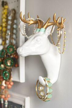 DIY Dip Dyed Antler Jewelry Holder