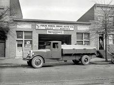 Грузовые автомобили начала 20-го века на снимках американских фотографов (23)