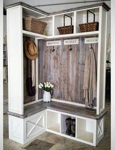 80 Modern Farmhouse Mudroom Entryway Ideas - Decorating Ideas - Home Decor Ideas and Tips Mudroom Laundry Room, Laundry Room Remodel, Farmhouse Laundry Room, Farmhouse Decor, Modern Farmhouse, Mud Room Lockers, Farmhouse Ideas, Farmhouse Bench, Entry Lockers