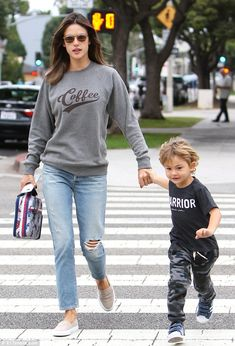 Bonding time: Alessandra Ambrosio was spotted trying to keep pace with her four-year-old son Noah while out and about in Los Angeles on Tuesday Casual Mom Style, Mommy Style, Alessandra Ambrosio, Jeans Claro, Smart Outfit, Cool Outfits, Fashion Outfits, Pinterest Fashion, Victoria Secret Fashion Show
