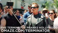 """Arnold Pranks Fans as the Terminator...for Charity. mEUS FILHOS estão estudando mesmo? EleArnold Schwarzenegger teve casa aqui, jamais vou esquecer uma """"cena de cinema que vi em minha vida"""". Mas não tenho certeza se era ele."""