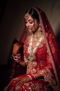 layered bridal jewelry ideas in 2020 Indian Bridal Photos, Indian Bridal Outfits, Indian Bridal Wear, Indian Wedding Bride, Indian Wedding Planning, Modest Wedding Dresses, Boho Wedding Dress, Bridal Looks, Bridal Style