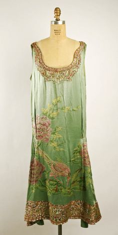 1925 Silk dress with lace trim