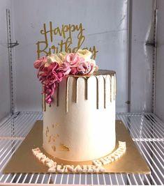 19th Birthday Cakes, Sweet 16 Birthday Cake, Elegant Birthday Cakes, Beautiful Birthday Cakes, Birthday Cake Girls, Beautiful Cakes, 21st Birthday, Birthday Ideas, Best Birthday Cake Designs