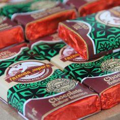 Prova de força é quebrar uma barrinha de chocolate da Fazenda Jupará só com uma das mãos e conseguir comer apenas um pedacinho! #provadefogo #desafio #chocolatesdafazenda