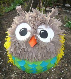 un oiseau bébé, fabriquer une pinata colorée à partir d un ballon, projet DIY charmant